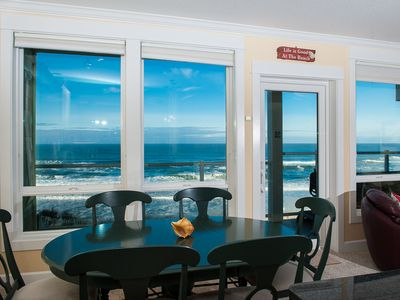 Comfortable Elegance with an Amazing view of the Oregon Coast