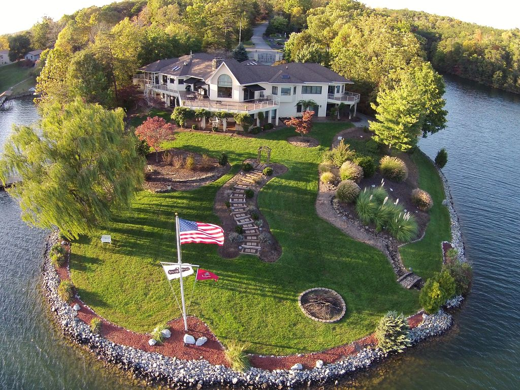 Smith Mountain Lake Luxury Estate 10 800 Sq Vrbo