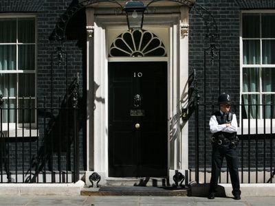 10 Downing Street is 10 minuets walk