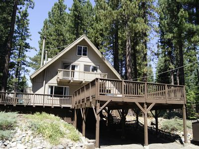 Sunny Tahoe Chalet, Dog friendly, 3 bedroom, Large fenced yard