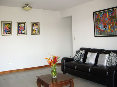 Guest house in Downtown Atenas-Living room