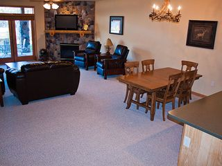 Castle Rock Lake condo photo - Living room and dining room