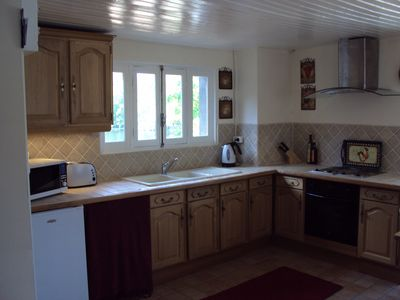 Beaulieu sur Dordogne apartment rental - 'Fleurie' - Kitchen area