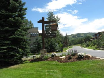 Payday condo rental - Payday Condominiums entrance-close to the Park City Mountain Resort!