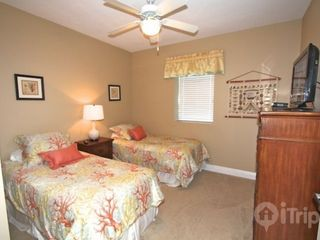 Gulf Shores condo photo - Guest bedroom with 2 twin beds