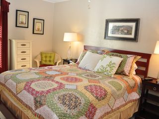 New Braunfels condo photo - Queen in secondary bedroom.