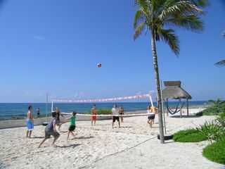 Puerto Aventuras villa photo - Volleyball, Lounge Chairs & Hammocks in the shade