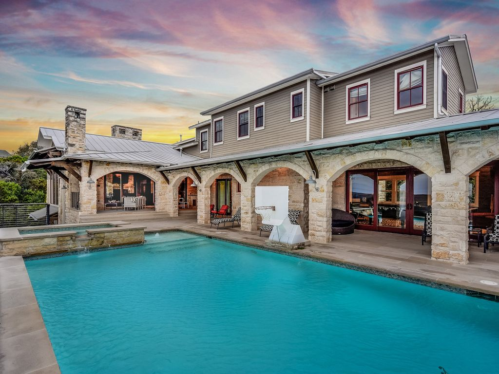 ARRIVE CANYON VIEW ESTATE | Up to 17Bds | 5mi to Downtown | Gameroom | Pool