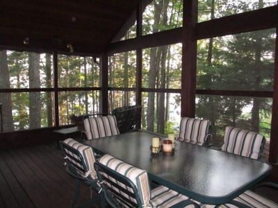 Awesome vaulted screen porch attached to cabin and lakeside deck, free WiFi