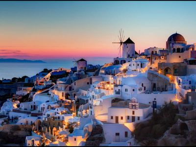 sunset view of the northwest mills at Oia