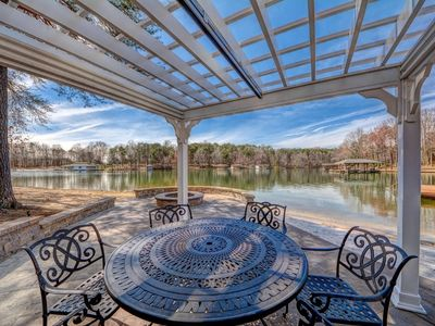 The Gables at Lake Anna-Beach with deep water dock; Flat lot with easy walk to the water