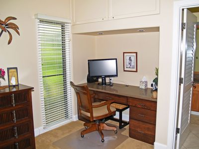The perfect area to set up your 'office' and stay connected while on Kauai.