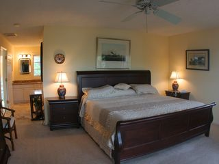 Marathon villa photo - Master bedroom with king size bed at the north end of the house.
