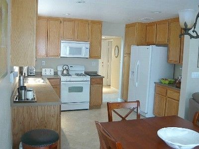 Fully equipped kitchen, all small and large appliances