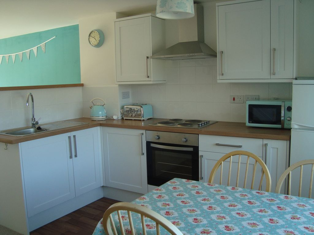 54 Atlantic Reach, Newquay, family friendly and access to a pool