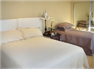 Guest bedroom with two twins & a queen bed (sleeps 6) - own bathroom