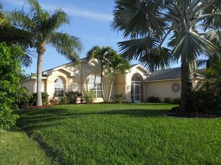 Cape Coral villa photo - front view of home