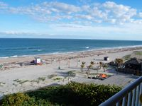 DIRECT OCEAN VIEW. LUXURY TOP FLOOR COCOA BEACH  BOOK TODAY - LIMITED DATES