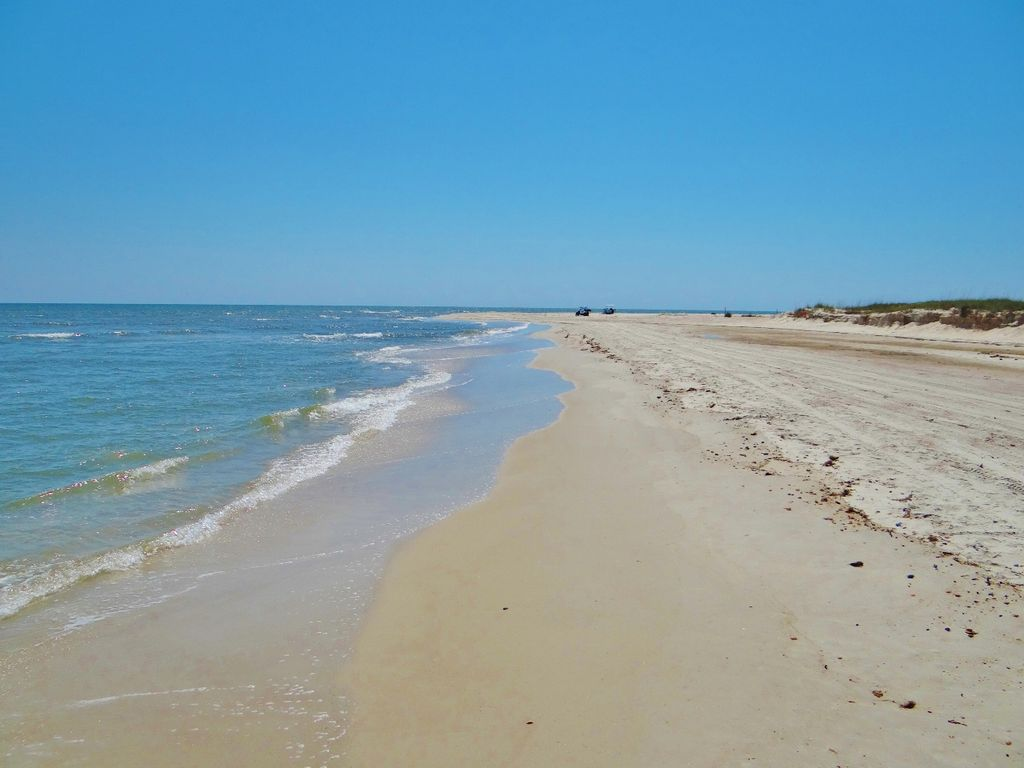 Beach is just steps away from Neptune Rising - cottage rental in Florida