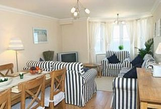 St Ives apartment rental - Open plan lounge and dining area