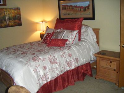 Gig Harbor house rental - Master suite has large room for bed, and ajoining room w/ double sink and vanity