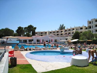 Apartment ideally located, near the beach with swimming pool and tenis court