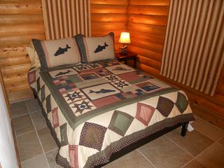 Blue River cabin photo - Smaller Bedroom with Fullsize Bed