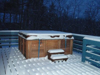 North Conway chalet rental - Fancy a dash across the deck to the tub?