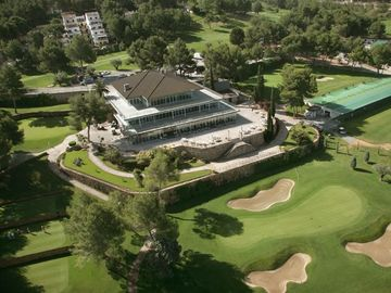 The nearby El Bosque Championship Golf Club