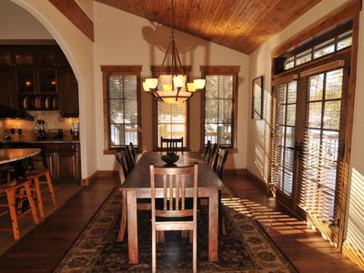 Highlands Retreat dining room