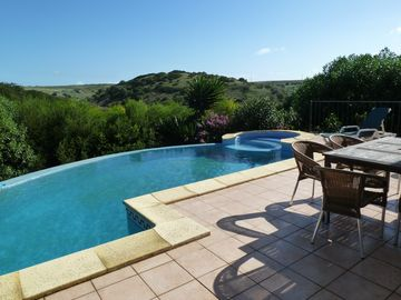 Stunning villa with salt water pool, up to 10 people, WI-FI, nature reserve