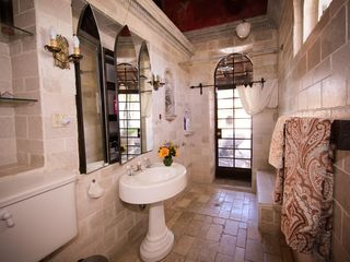 Tucson estate photo - Master bedroom bathroom with walk in shower