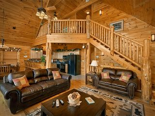 Pigeon Forge cabin photo - Beautiful Cedar Log columns and detail throughout and very open main floor plan