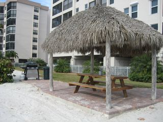Fort Myers Beach condo photo - Beach picnic and BBQ
