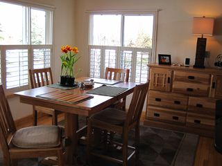 Bozeman house photo - Breakfast Nook - seats 4-6, windows to open, spacious green belt and sunsets