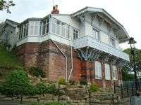 Beautifully Restored Detached Chalet In Scarborough!