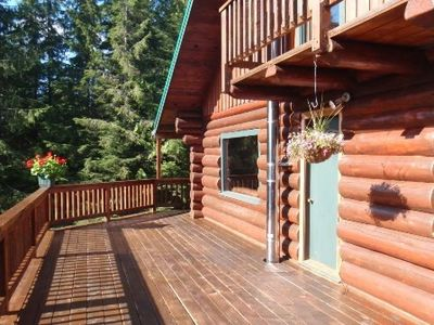 Gorgeous, spacious cabin perfect for your hunting, fishing or exploring get-away