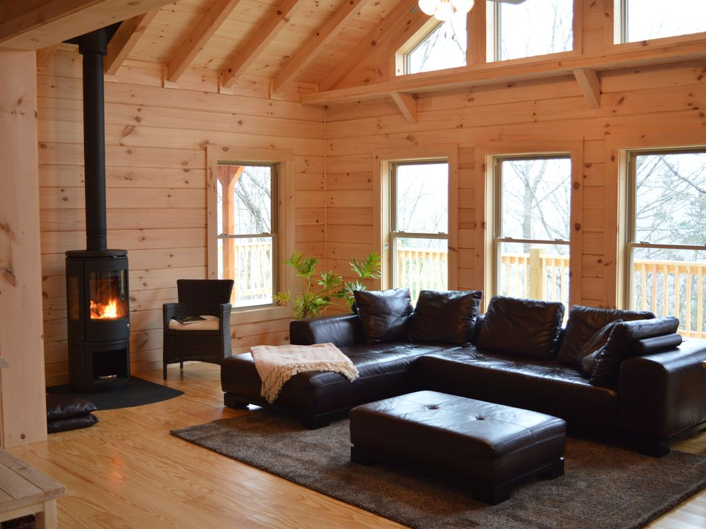 Private Sunny New Log Home Close To Vrbo