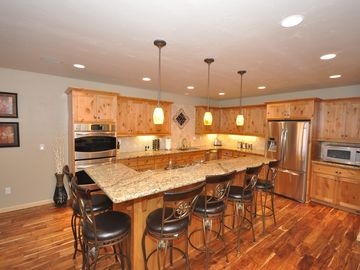Heavenly Valley townhome rental - Large Kitchen with GE Profile Stainless Steel Appliances and Seating for six