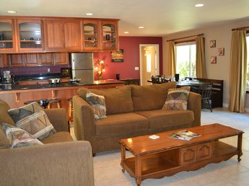 Paso Robles house rental - Open Living Area