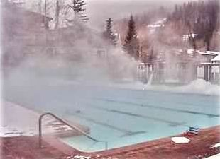 It's lovely to swim in the winter in the 25-meter heated pool with mountain view