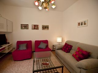 Bologna apartment photo - Two very comfortable single foldup beds are available in the livingroom.