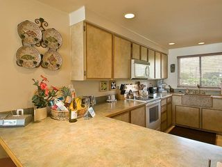 Maalaea condo photo - Furnished kitchen