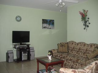 St. Patricks house photo - Living room (TV- 200 channels)