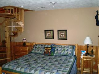 Wears Valley cabin photo - King size Log Bed