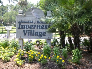 Inverness Village Entrance