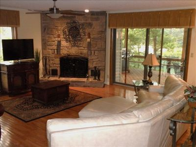 Big Open Areas in this House. Great for Family Get Togethers. Great Lake Views!!