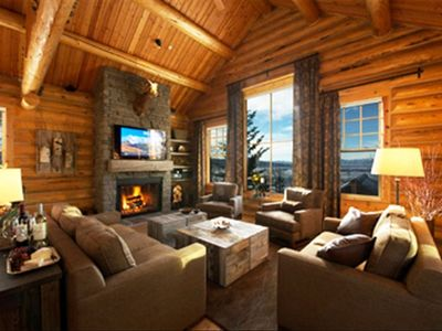 Spectacular View Luxury Log Home Adjacent to Lifts, Village & Four Seasons