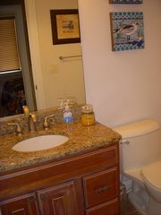 Gold Coast condo photo - full bathroom #2