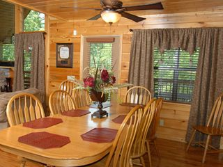 Pigeon Forge cabin photo - Dining adjacent to the great room.